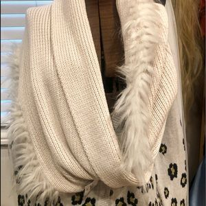 Soft cream knit and fur infinity scarf by Cabi